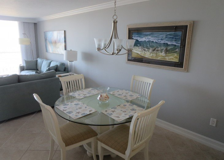Dining room includes 6 chairs