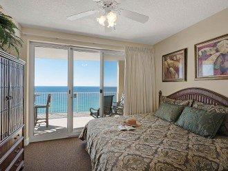 Ocean Villa 1602 master bedroom (King)