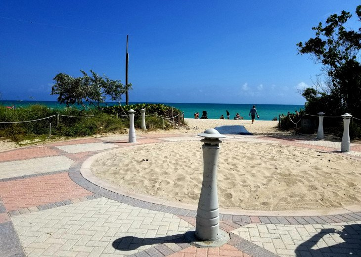 Must See! 2/2 South Beach Art Deco Gem- Sleeps 8/Wifi/4 Queen Beds #20