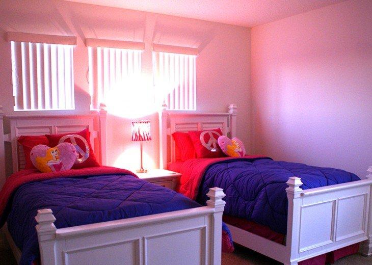 Twin room 1 - Princess room with Jack 'n' Jill ensuite