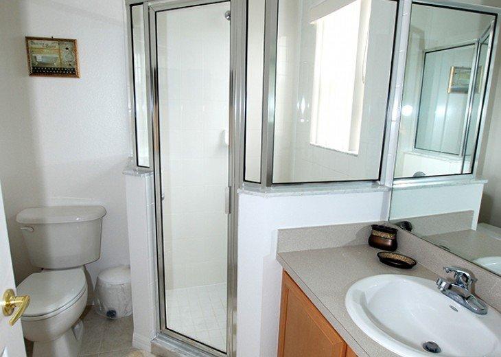 Master King 2 - ensuite bathroom