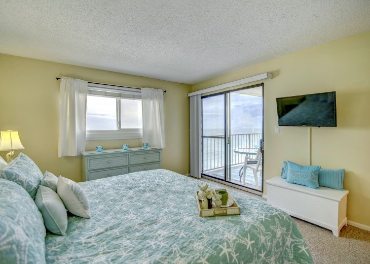 Family Friendly Location Right On the Beach Awesome Views #10