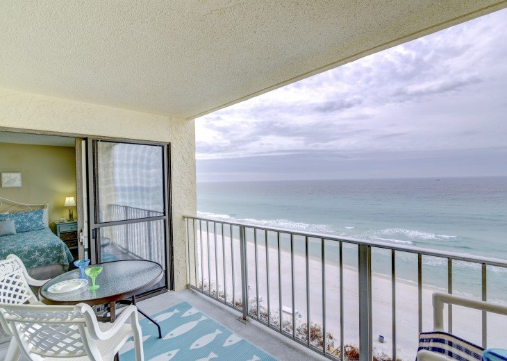 Family Friendly Location Right On the Beach Awesome Views #12