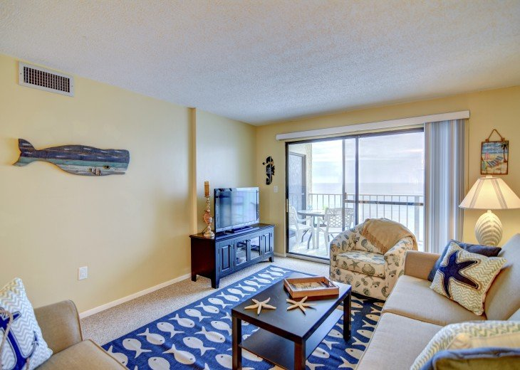 Family Friendly Location Right On the Beach Awesome Views #3