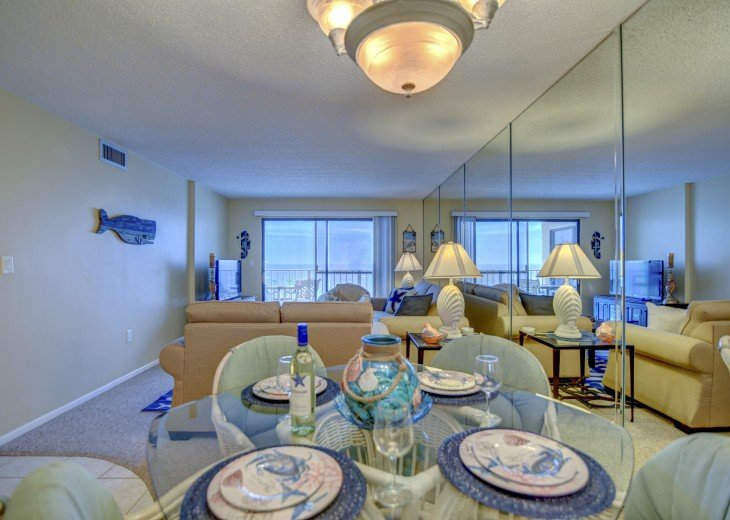 Family Friendly Location Right On the Beach Awesome Views #8
