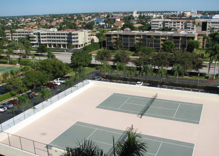 Marco Island... Apollo Condo...Directly on Beach #15