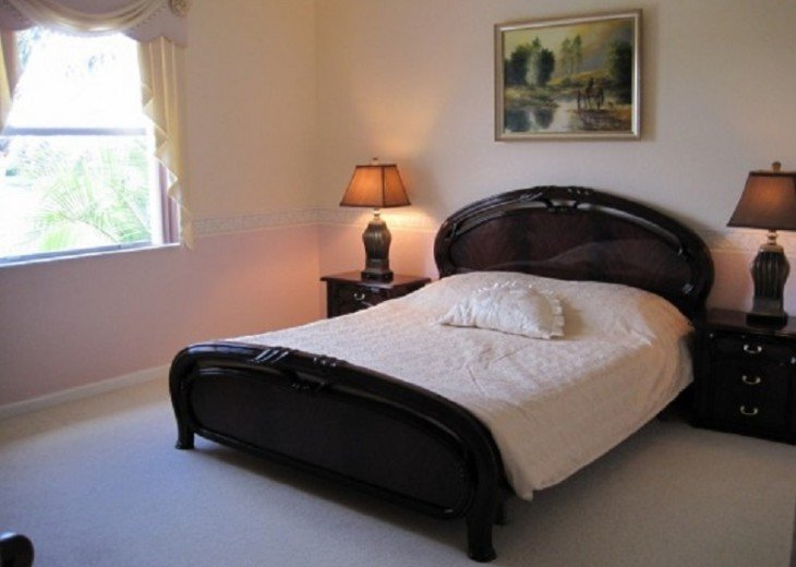 BEAUTIFUL AND SPACIOUS LAKEVIEW HOME - PRIVATE POOL- SLEEPS 10 #8
