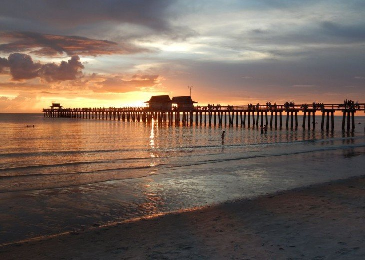 An Evening Trip to See a Sunset at the Naples Pier