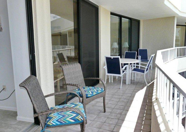 Sea Mar Condo: 19th Floor Penthouse Views of Crescent Beach-Free Wifi #13