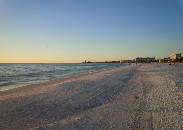 The world famous beach is just a 5 min. stroll via private deeded beach access.