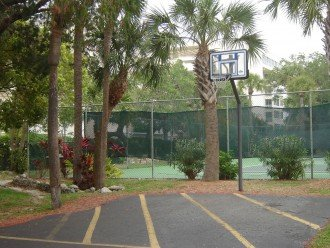 There are onsite tennis courts, a basketball hoop, BBQs and picnic area.