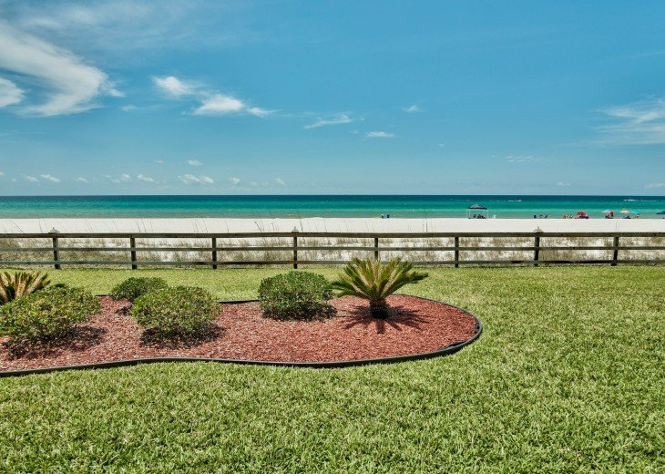 WALK TO PIER PARK ! GROUNDFLOOR* ON THE SAND NOT A HIGH RISE* #1