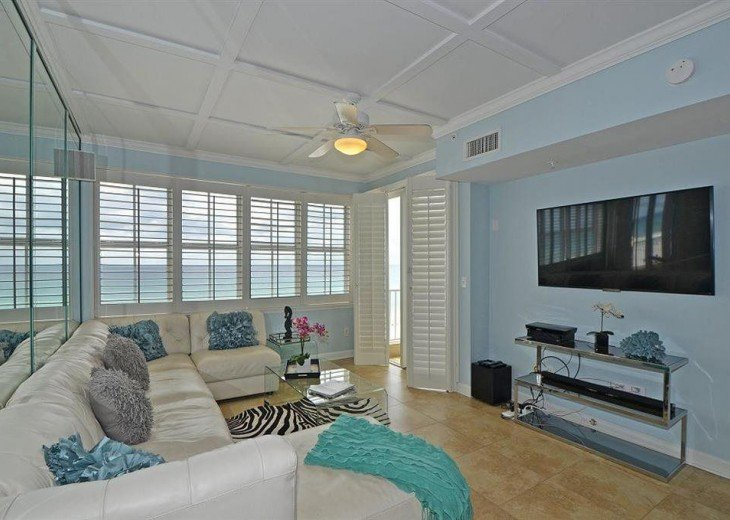 Prime 5 Bedroom Condo Rental In Destin Fl Inn At Crystal Beach Home Interior And Landscaping Eliaenasavecom