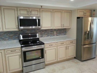 Top Floor Oceanview Beachfront Condo! New Kitchen! Big HDTVs. WIFI. Great Views #1