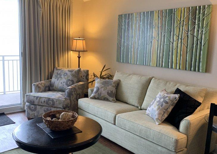 Comfortable and spacious living room!