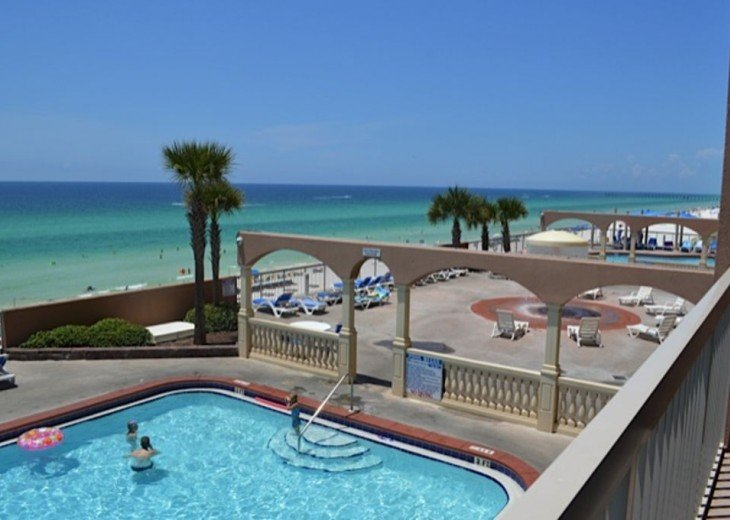 Beautifully furnished with Beach Service. Close to Pier Park #14