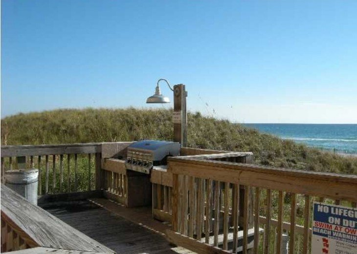 Beautifully furnished with Beach Service. Close to Pier Park #17