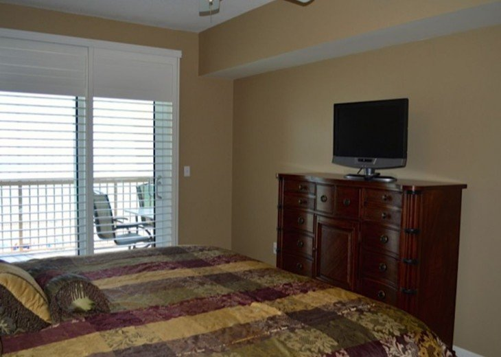 Beautifully furnished with Beach Service. Close to Pier Park #4