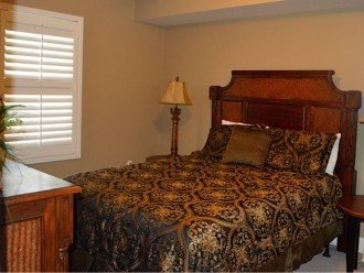 Beautifully furnished with Beach Service. Close to Pier Park #1