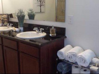 MASTER BEDROOM BATHROOM SUITE