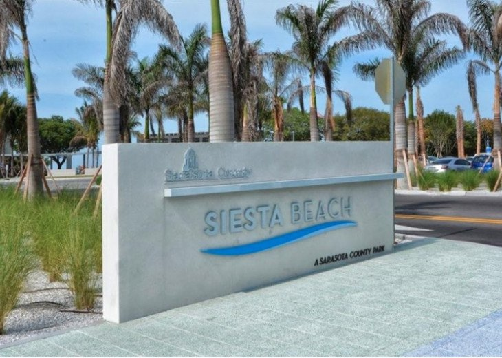 Pet friendly Siesta Key Condo 1/1 with 2 Queen Beds, Walk to Beach! #40