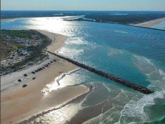 Beautiful Ponce Inlet takes you to the ocean. Just minutes from the house.