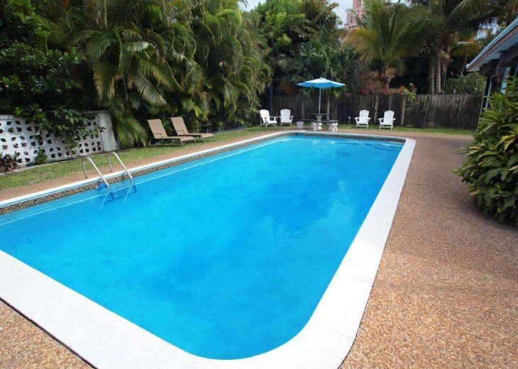 Ocean Mist Delight: 5 Min Walk to Beaches, 4/2, Gorgeous More Secluded Beach Spo #3