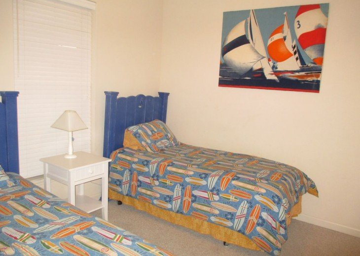 Charming beach condo with all amenities,heated pool, for relaxing, fun holiday #5