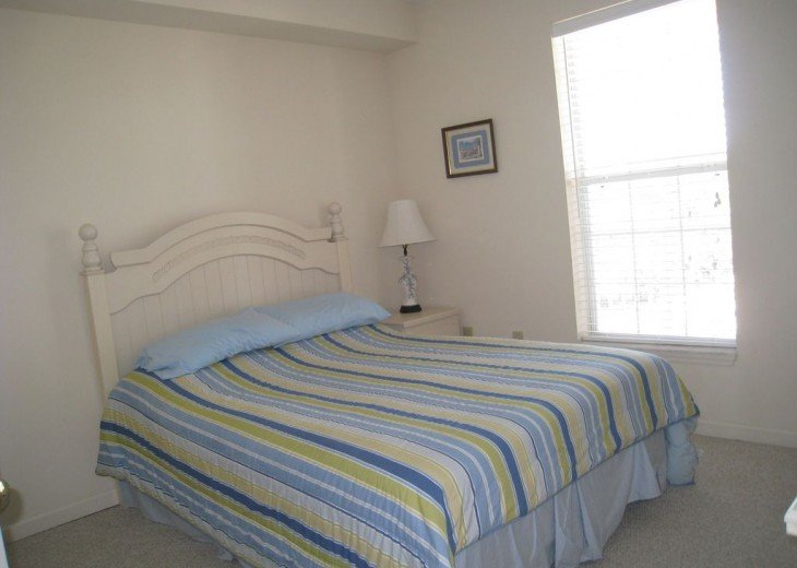 Charming beach condo with all amenities,heated pool, for relaxing, fun holiday #4
