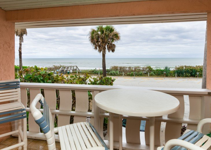 Beach Bungalow, dog & family friendly Oceanfront Garden Villas #3