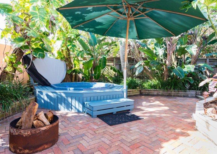 Beach Bungalow, dog & family friendly Oceanfront Garden Villas #22