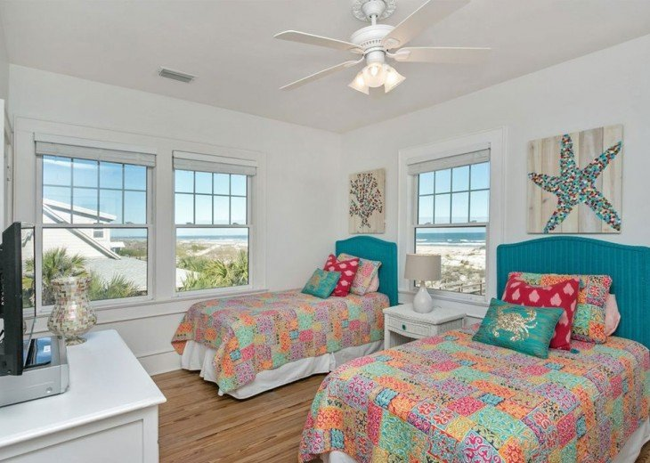 Beautiful 5 bedroom, 4.5 bath oceanfront home. Close to everything! #18