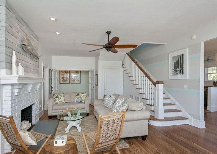 Beautiful 5 bedroom, 4.5 bath oceanfront home. Close to everything! #22