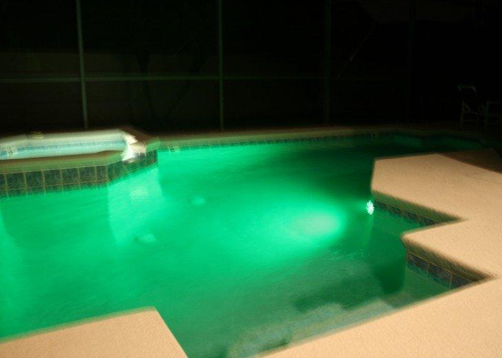 Multi Colour Splash changing pool light - Green
