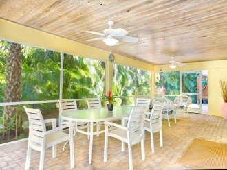 Covered Lanai with Dining Area