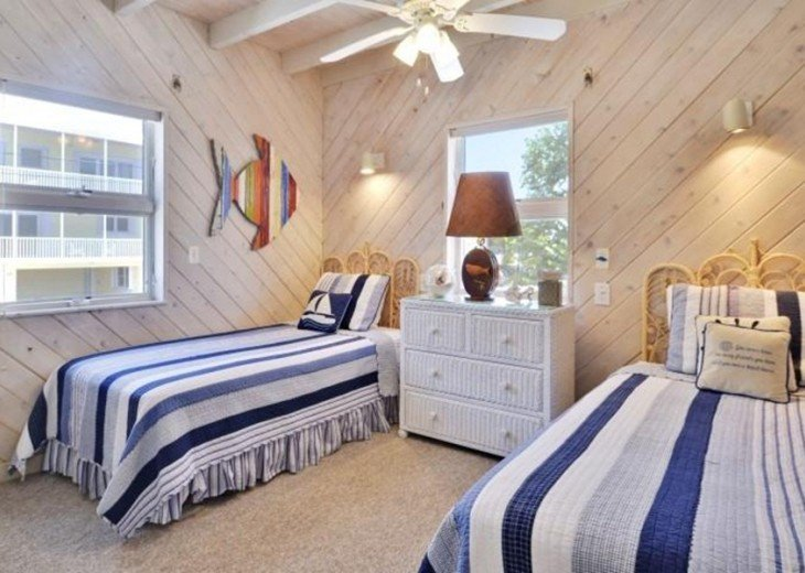 Twin Guest Bedroom