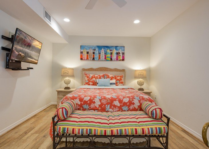 Pinacolada – 3BR/3BA Private Heated Pool in the heart of Siesta Village #19