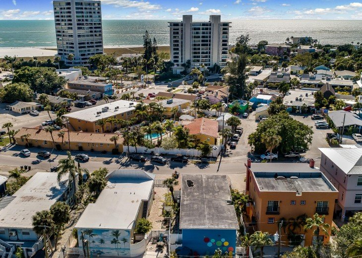 Pinacolada – 3BR/3BA Private Heated Pool in the heart of Siesta Village #31