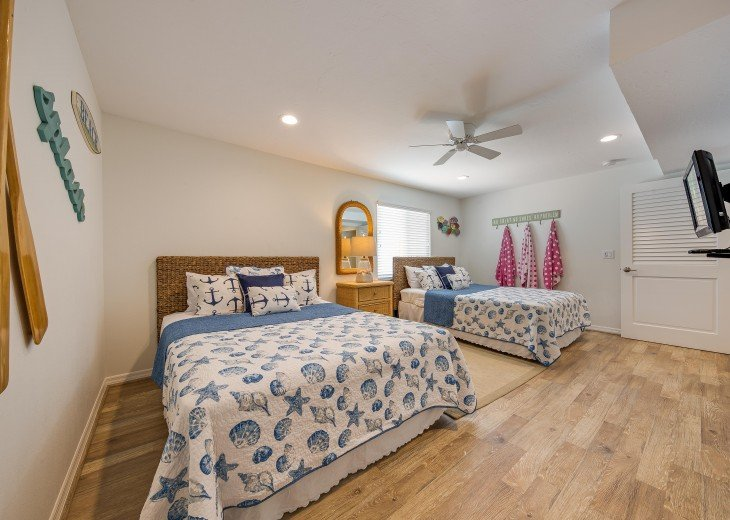 Pinacolada – 3BR/3BA Private Heated Pool in the heart of Siesta Village #23