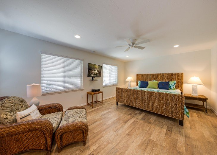 Pinacolada – 3BR/3BA Private Heated Pool in the heart of Siesta Village #25