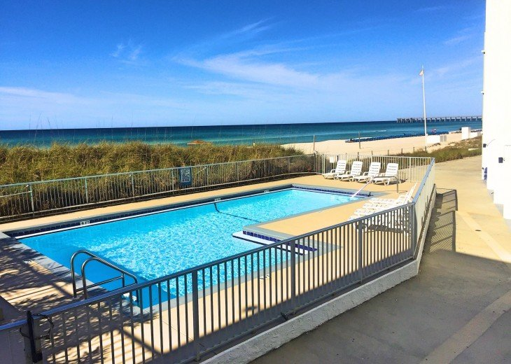 Pet Friendly Steps to the Sand Private Deck Hot Tub WIFI Pool #31