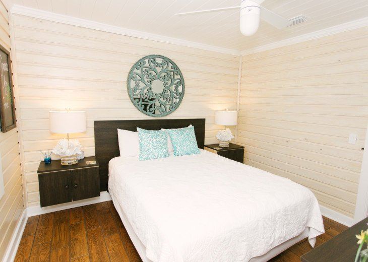 6West Beach Cottages- Heated Pool, Sleeps up to 22, Beachside of Gulf Blvd! #55