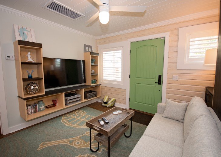 6West Beach Cottages- Heated Pool, Sleeps up to 22, Beachside of Gulf Blvd! #87