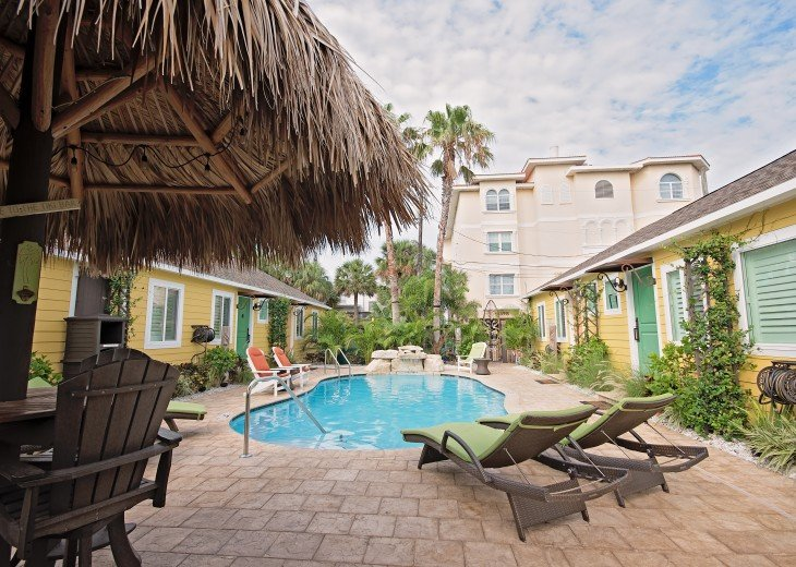6West Beach Cottages- Heated Pool, Sleeps up to 22, Beachside of Gulf Blvd! #61