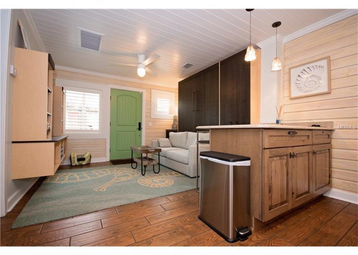 6West Beach Cottages- Heated Pool, Sleeps up to 22, Beachside of Gulf Blvd! #38