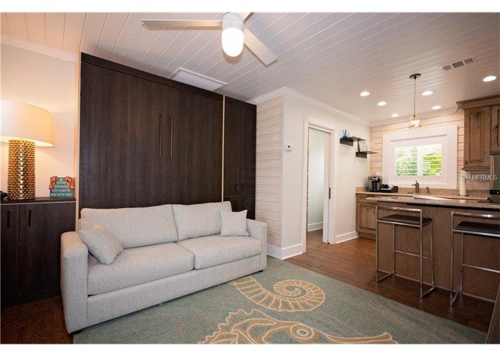 6West Beach Cottages- Heated Pool, Sleeps up to 22, Beachside of Gulf Blvd! #33