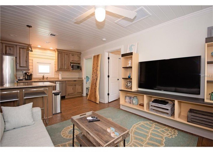 6West Beach Cottages- Heated Pool, Sleeps up to 22, Beachside of Gulf Blvd! #32