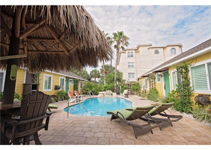 6West Beach Cottages- Heated Pool, Sleeps up to 22, Beachside of Gulf Blvd! #46