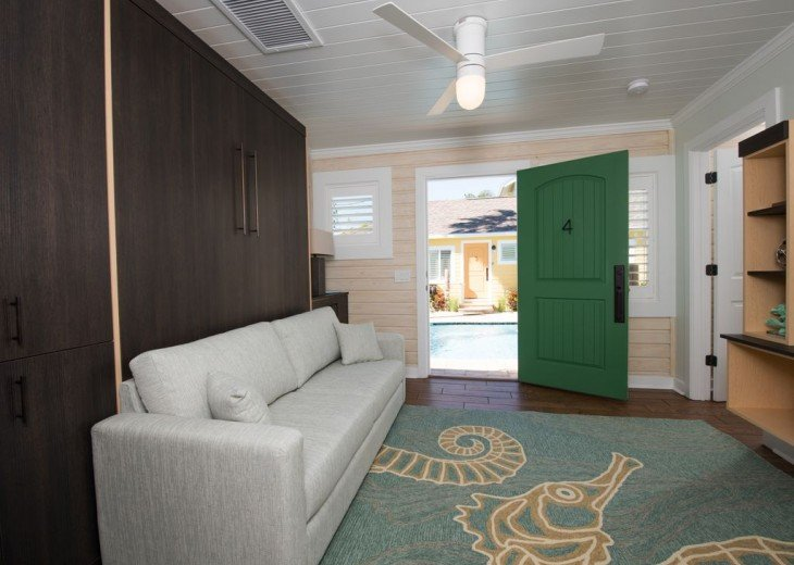 6West Beach Cottages- Heated Pool, Sleeps up to 22, Beachside of Gulf Blvd! #28