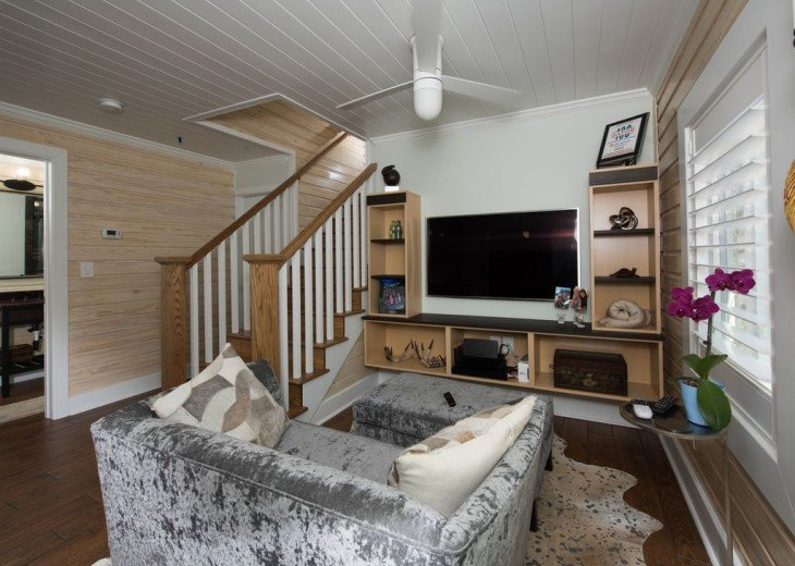 6West Beach Cottages- Heated Pool, Sleeps up to 22, Beachside of Gulf Blvd! #36